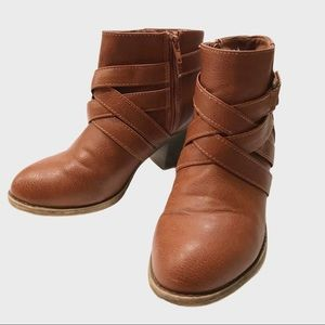 American Eagle Outfitters ankle high boots size 8